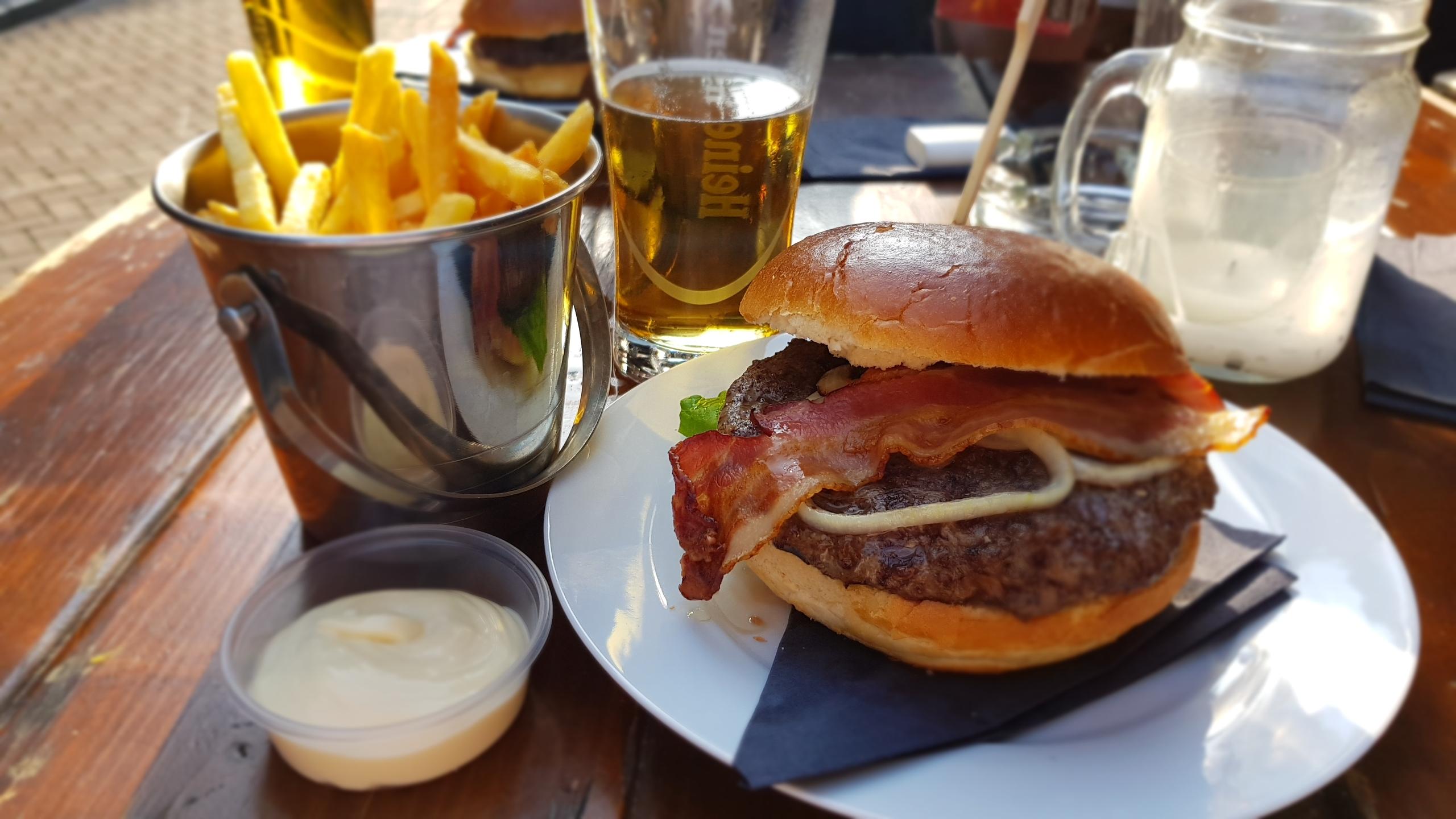 Bro-Bonding met The BurgerBoys: Bar Huf