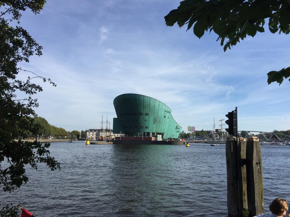 foto van Uitzicht vanaf Hannekes Boom | Nemo gebouw