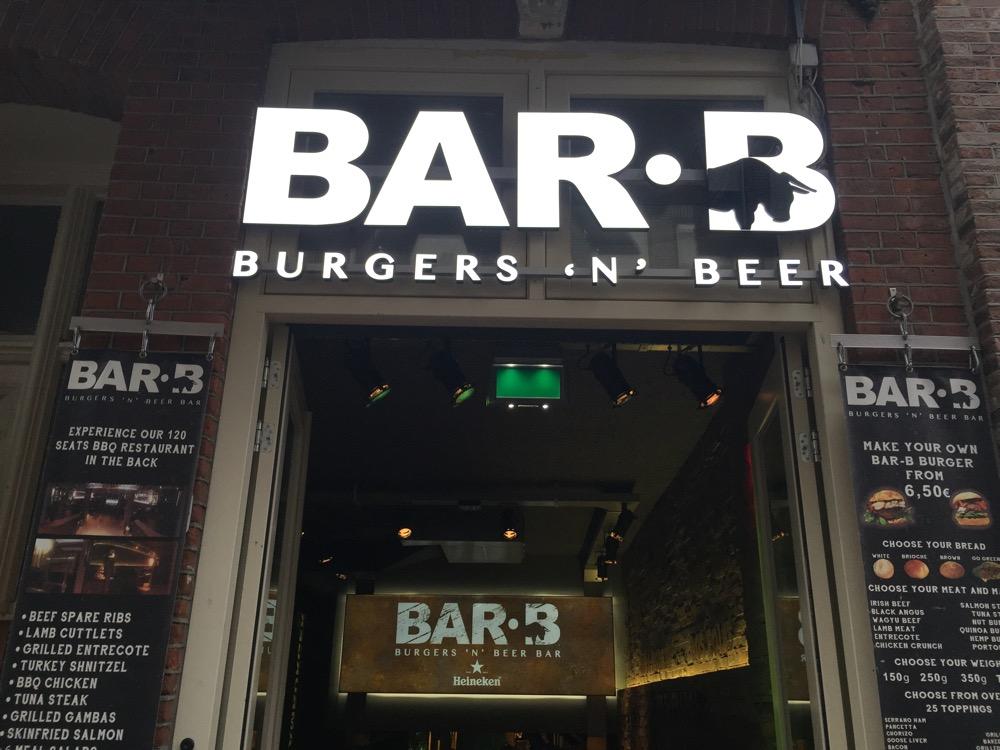 Voorkant Bar