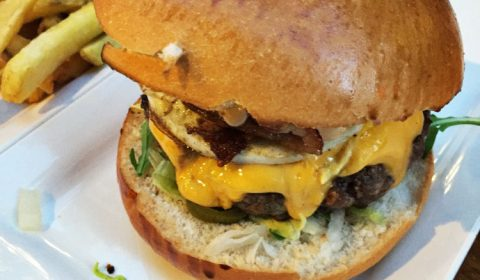 TBB leggen bloot: Nude Burger Club