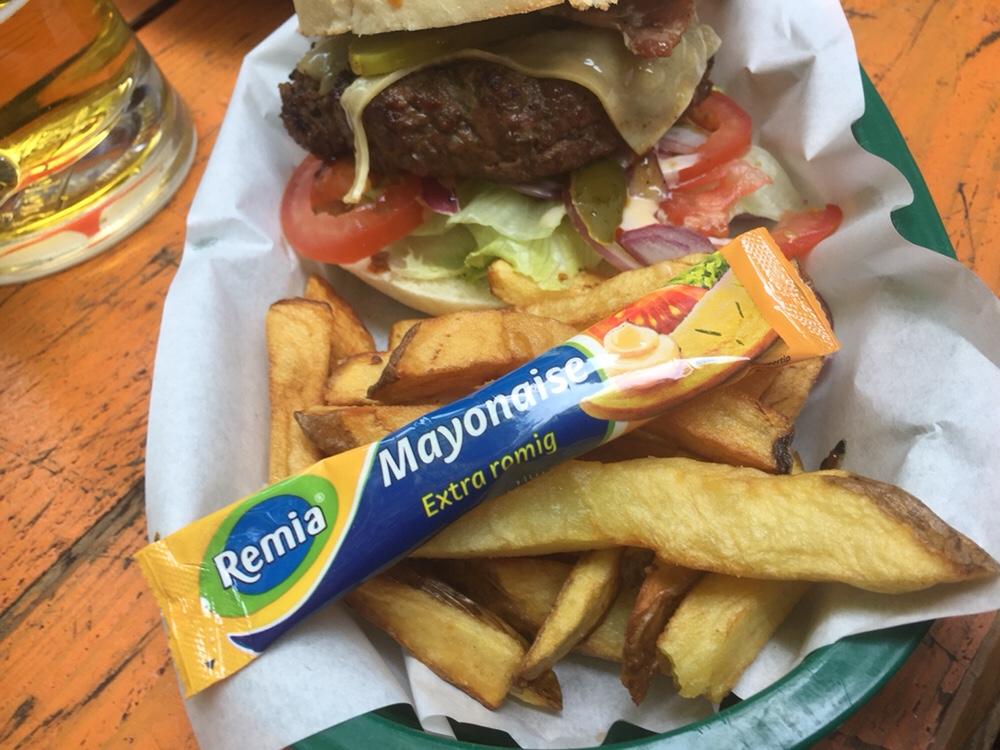 Foto van Burger en Friet en Mayo | Coco's Outback
