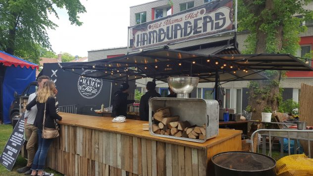 Food Truck van Hotmamahot Hamburgers